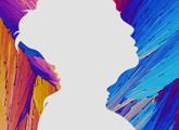 Perfil de mujer sobre fondo de colores