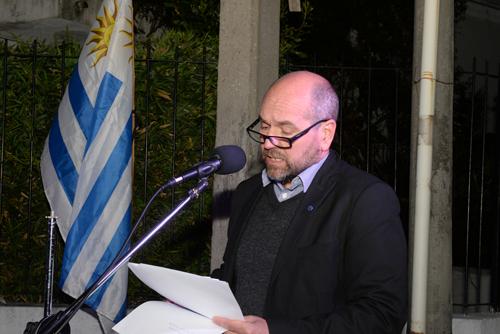 Nicolás Pons leyendo su discurso.