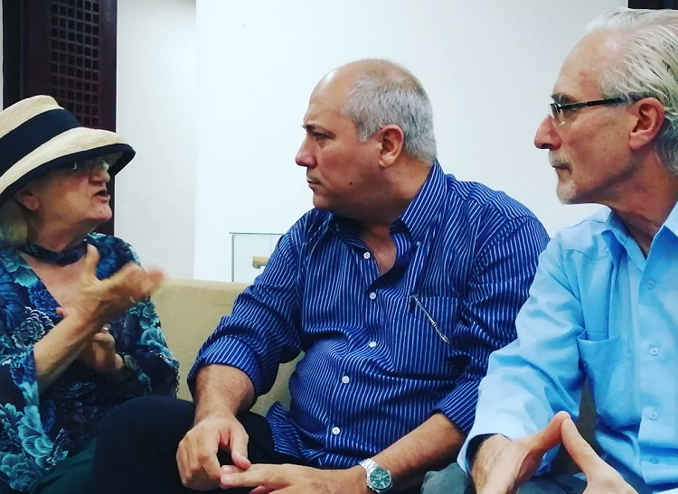El Embajador de Uruguay en Cuba, Eduardo Lorier, directora de Centros MEC, Glenda Rondan, Ministro de Cultura de Cuba, Alpidio Alonso