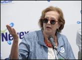 Ministra Muñoz hablando